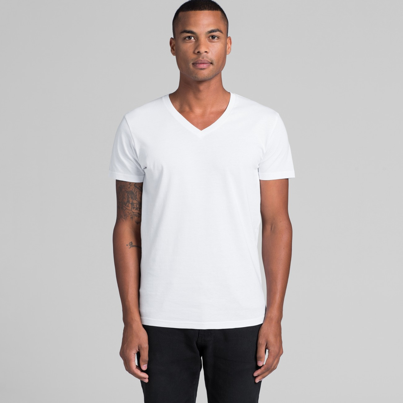 5003 MENS TARMAC V-NECK TEE